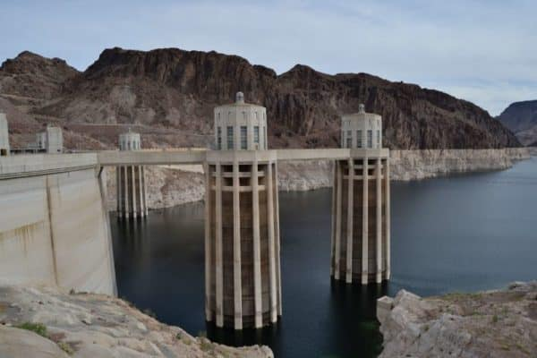 Pros and Cons of Hydroelectric Power
