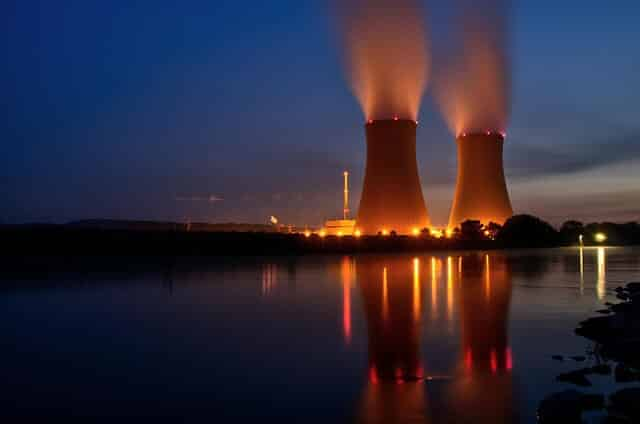 Pros And Cons Of Fossil Fuels >> What Is Nuclear Energy A Full Pros And Cons Analysis