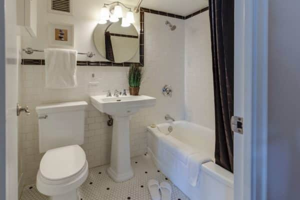 Composting Toilet Pros and Cons: Is This Effective?
