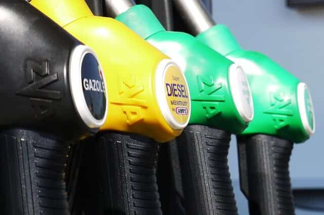 20 Important Pros and Cons of Petroleum