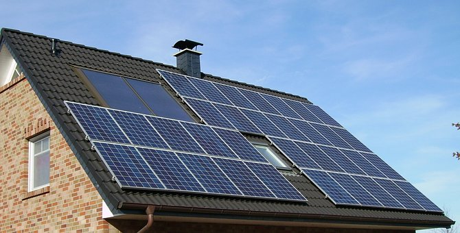 Should You Buy Or Lease Your Solar Panel System? [An In-Depth Guide]