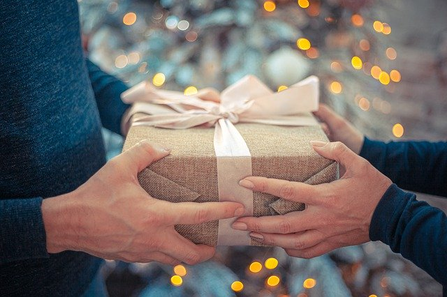 9 Best Ethical, Sustainable Gifts for Eco-Lovers in 2021
